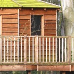 Cladding radial-sawn timber treehouse